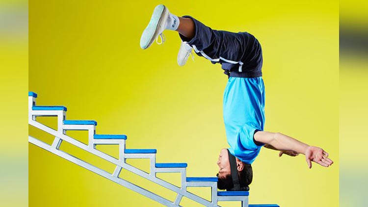 Climbing stairs on the head Guinness World Records