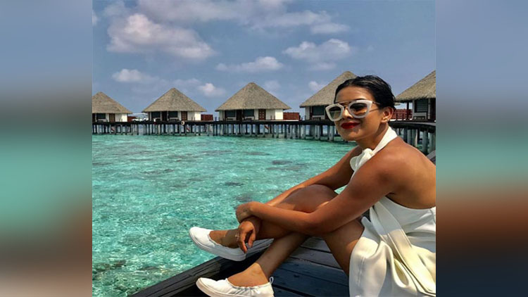 Nia Sharma Enjoys her vacation In Maldives