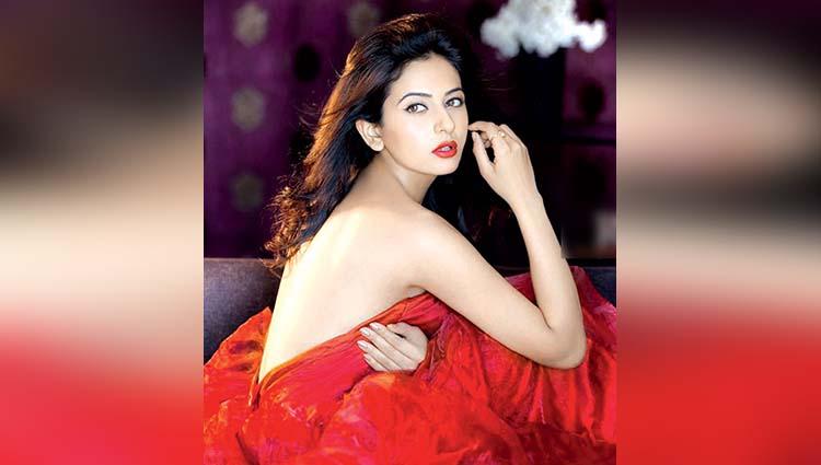 Rakul Preet Singh share her new movie poster