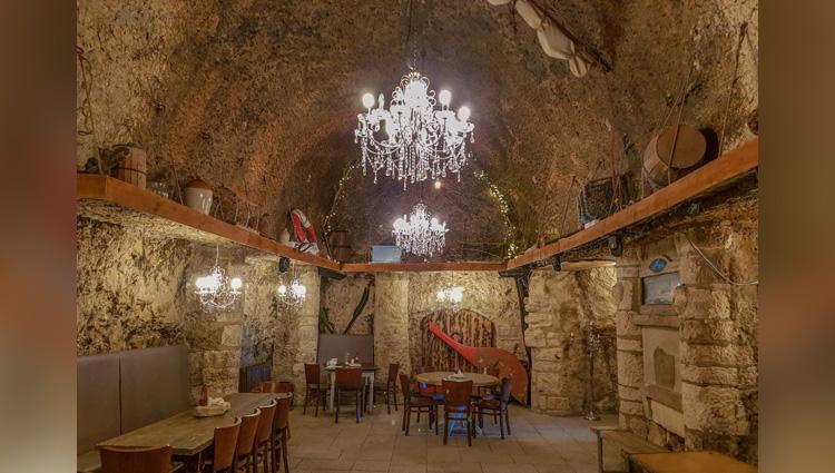 красивые придорожное кафе в пещере армения фото встречаются