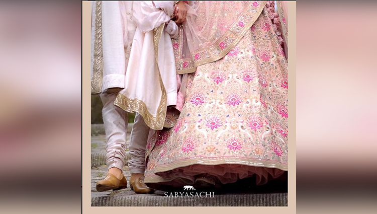 sabyasachi share the wedding photos of virushka