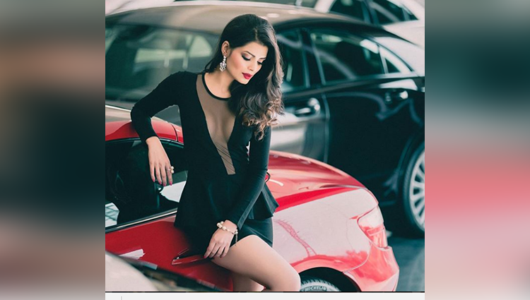 Sonali Raut share her sexy photos