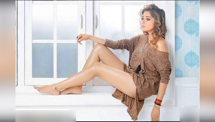 Tina Datta share her sexy photos