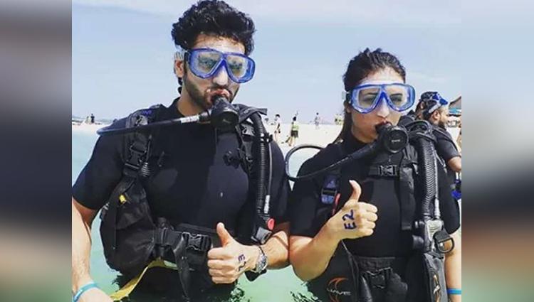 Divyanka Tripathi Vivek Dahiya In Thailand Enjoying Underwater