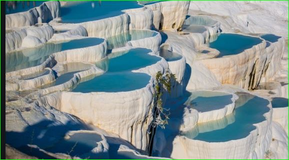pamukkale thermal pools turkey mysterious waterfalls