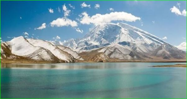 Story Of Karakul Lake Where The Boat Is Impossible To Sail