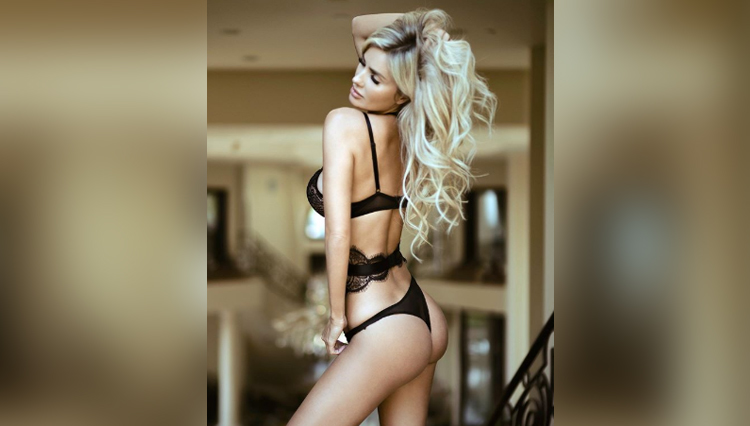 Leanna Bartlett photos hot and bold sexy nude Leanna Bartlett