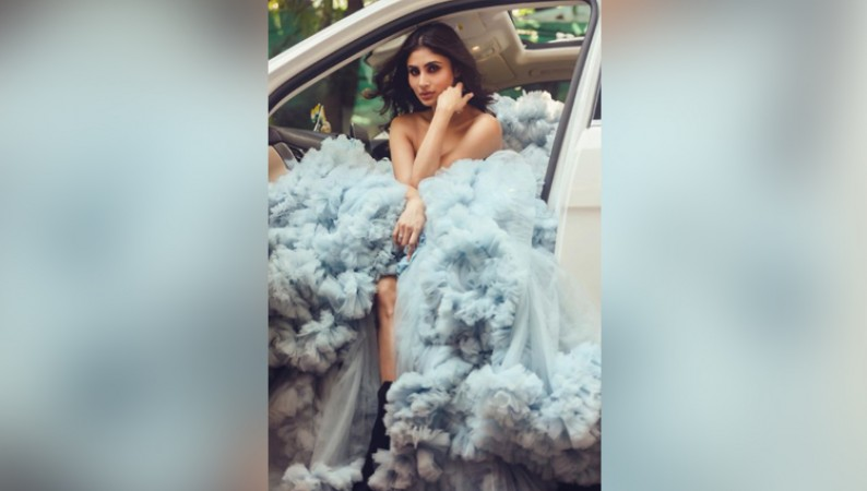 mouni roy hot photos sexy bold photos