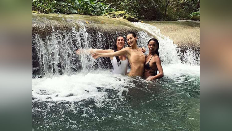 See Pics Bella Hadid Enjoying Vacation At Jamaica