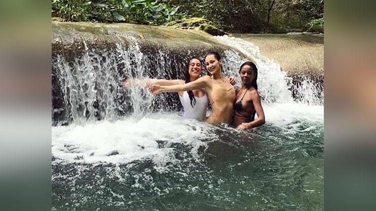 See Pics Bella Hadid Enjoying Vacation At Jamaica