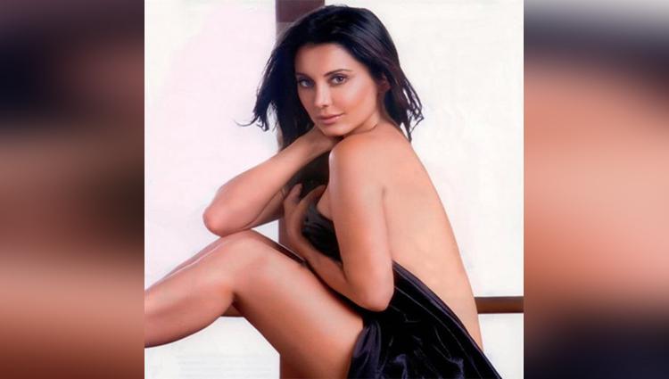 Minissha Lamba Hot And Sexy pictures