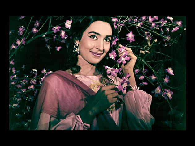 bollywood actress nutan beautiful pictures