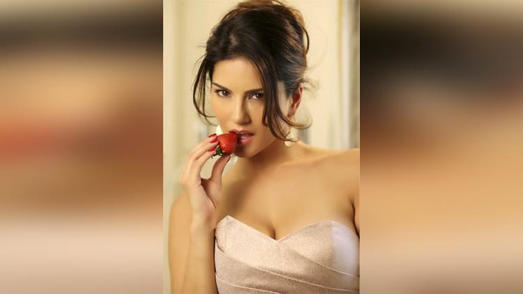 ex-porn star Sunny Leone