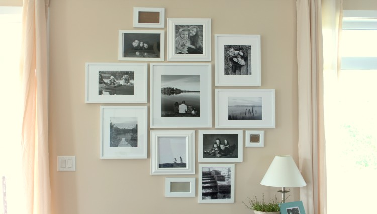 10 Amazing Ideas to Turn your Walls into a Family Photo Gallery, 5th one really changed the feel of my room!