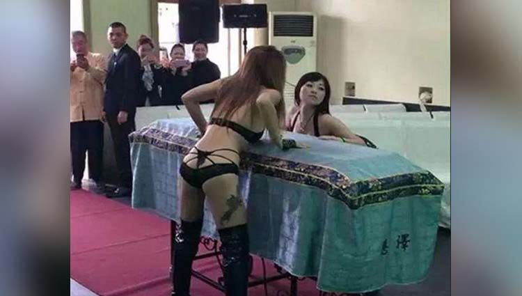 call girls hired for funeral china