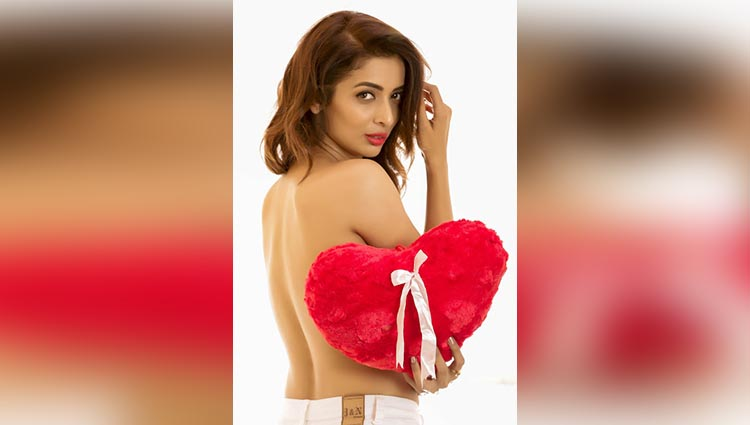Meet Heena Panchal, The Hot & Sexy Doppelganger Of Malaika Arora