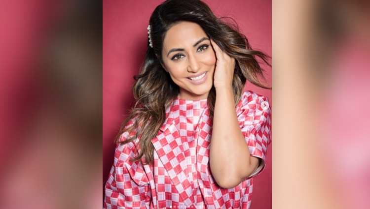 hina khan new photos in pink and white dress