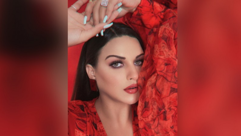 HIMANSHI KHURANA BOLD IN RED DRESS