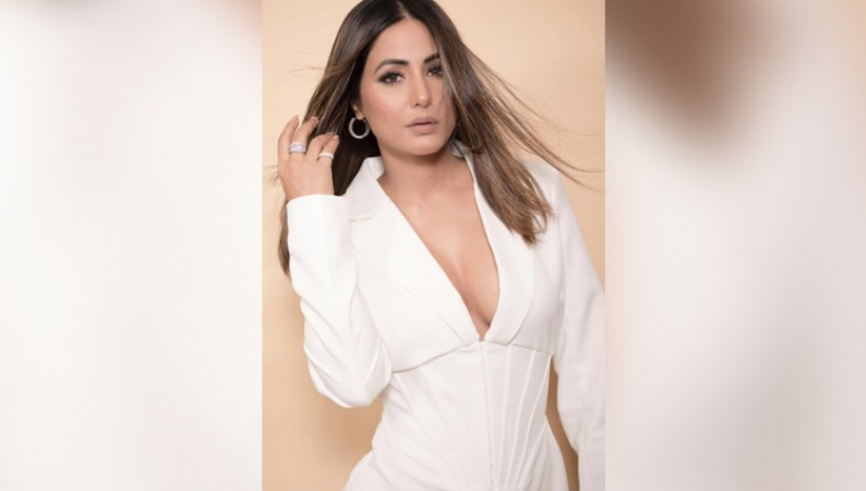 HINA KHAN WHITE DRESS PHOTOS HOT ACTRESS