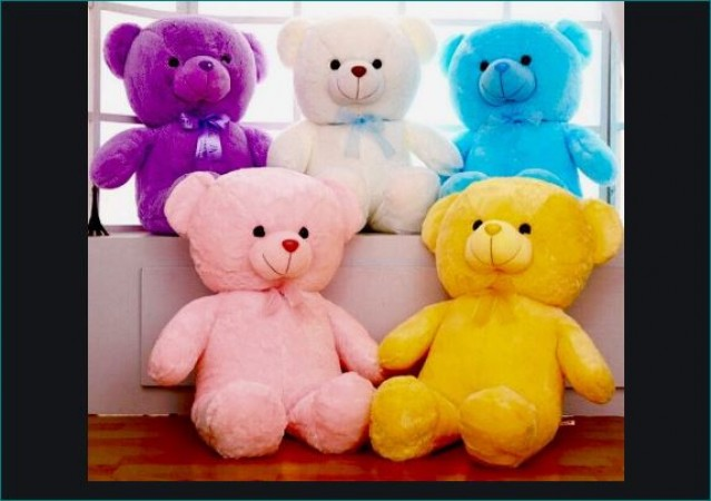 Different Colors of Teddies for Different Feelings