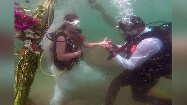 maharashtrian groom and slovak bride marriage inside sea in kerala