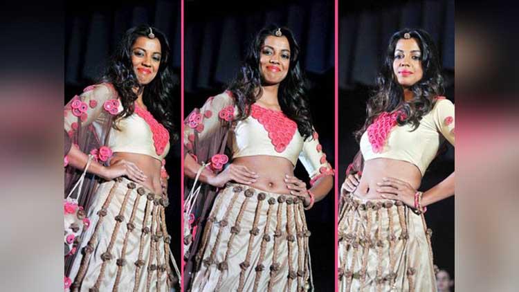 indian condom fashion show in mumbai showstopper mugdha godse