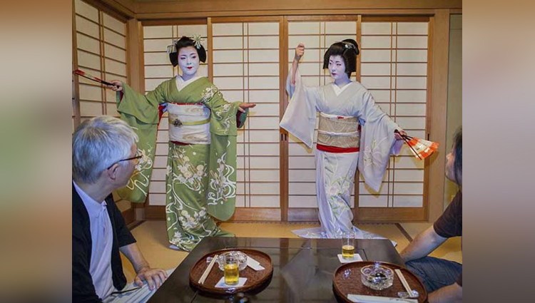 Inside the Fascinating Beauty Routine of Modern Day Geishas