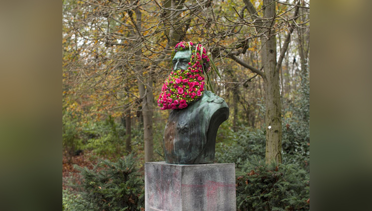 flower crown street art geoffroy mottart
