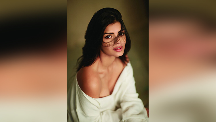 Bigg Boss Season 8 contestant Sonali Raut is too hot