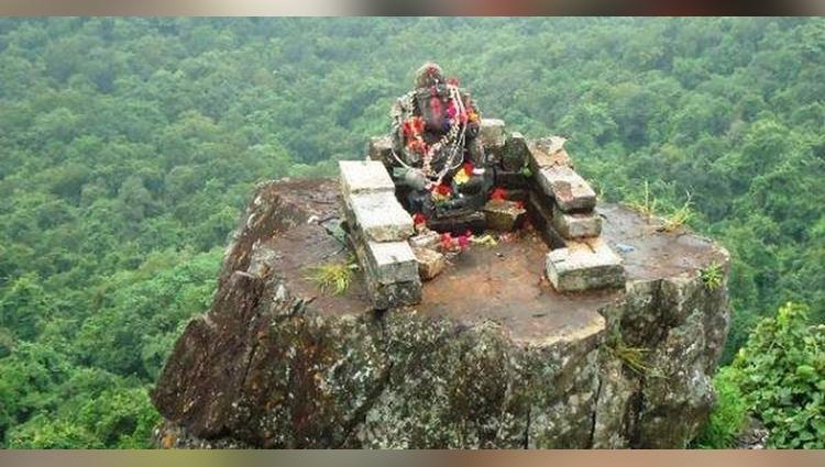 3000 fit ganesh statue in dantewada