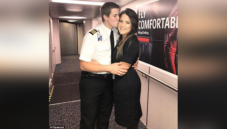 Pilot proposes to his flight attendant girlfriend