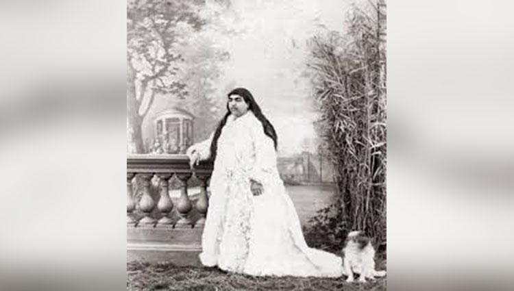 A story of Princess Qajar with Mustache Men killed themselves for he