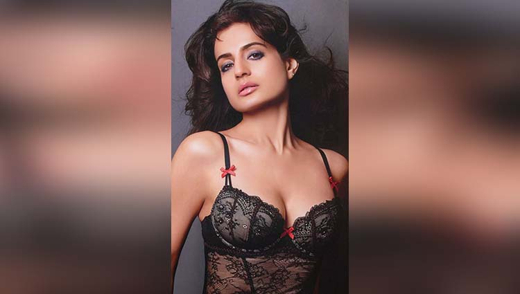 Ameesha Patel hot in her every photos