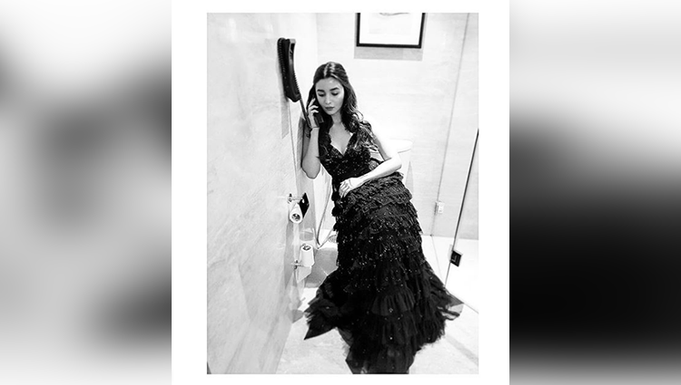 Alia Bhatt share her sexy photos on instagram