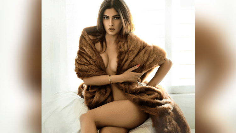 Karishma Sharma Hot Photoshoot In Black Bikini