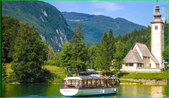 Discover the Slovenian lake at the end of the world