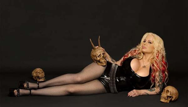 argentina adult model Sabrina Sabrok look like kim kardashian