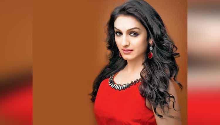 Akriti Kakkar hot and bold actress