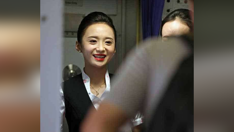 Photos Of Chinese Flight Attendant Gone Viral On Internet