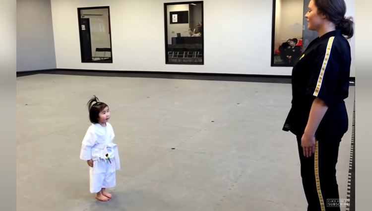 amazing act of this little girl