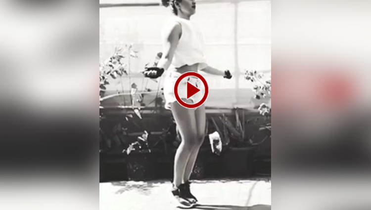 sonakshi sinha shares her hot and fit skipping rope in a recent video