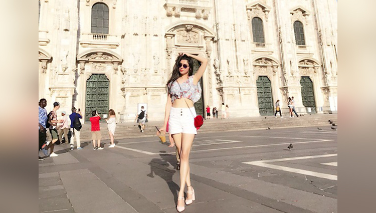 Divya khosla kumar switzerland vacation hot photos