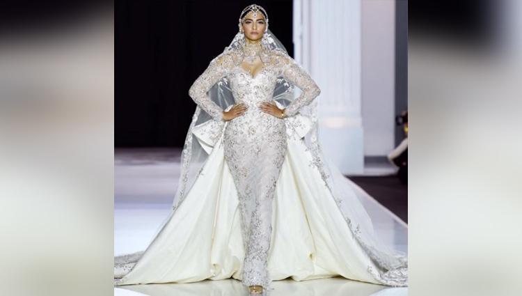 Sonam Kapoor makes her international debut at paris fashion week