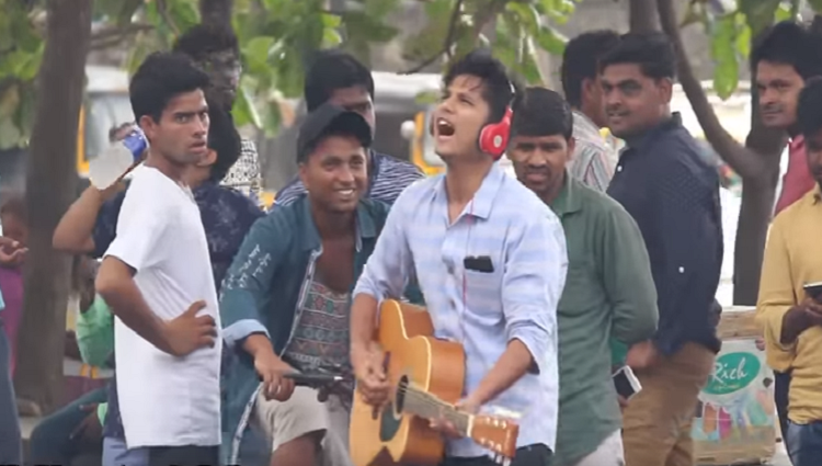 Singing Dhinchak Pooja Songs In Public Funk You Pranks In India