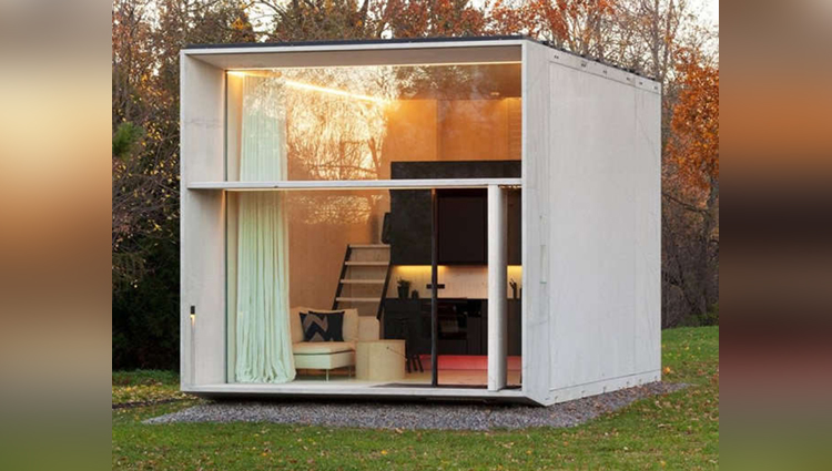 Portable luxury tiny house
