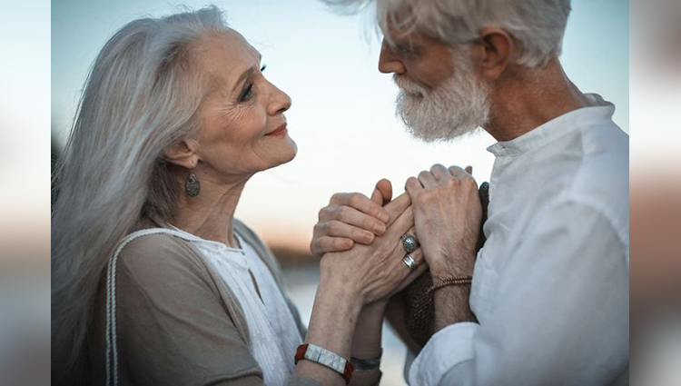 Elderly Couple Beautiful Photos