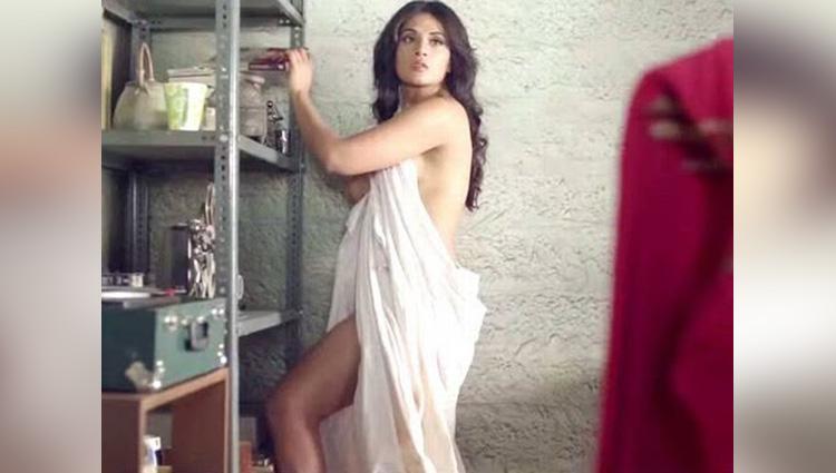 Richa Chadda share her hot photos