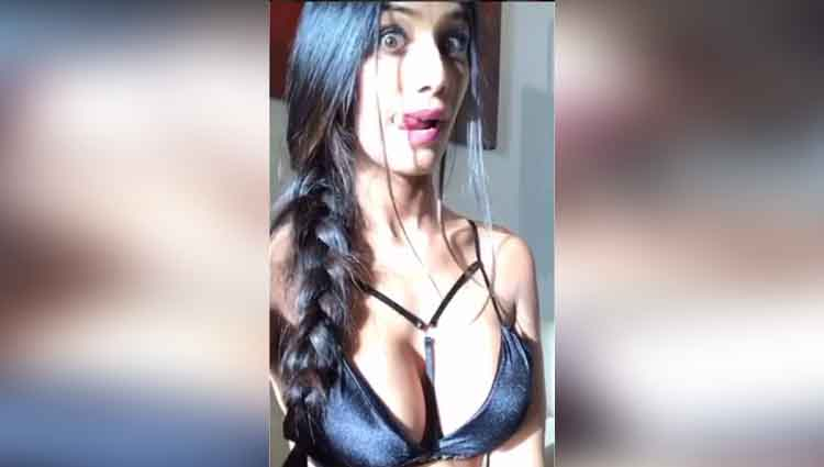 poonam pandey share another pictures in tiny black bikini