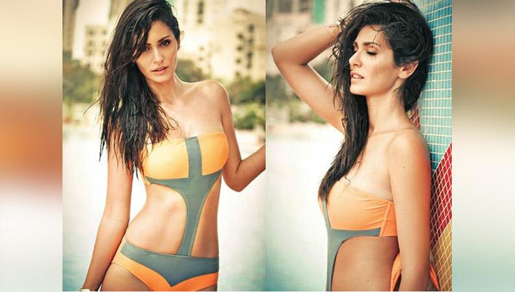 bruna abdulla goes topless again
