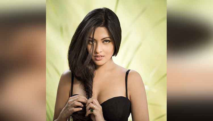 riya sen hot bikini photos on instagram